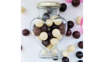 Amandes aux 3 Chocolats dans Cœur en verre (300g)